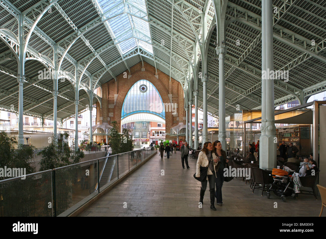 Mercado de Colon, opened in 1916, 2003 refurbished with cafes, bars, and boutiques, Valencia, Spain - Stock Image