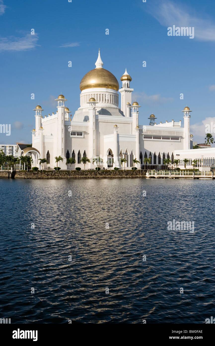 Omar Ali Saifuddien Mosque, Bandar Seri Begawan, Brunei, Darussalam, Asia - Stock Image