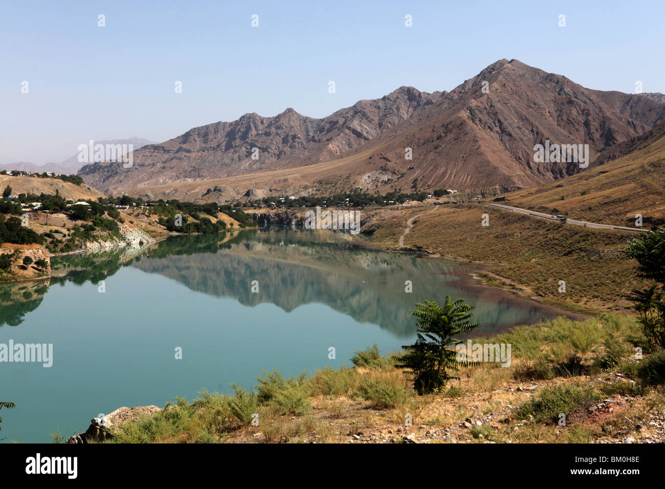 A high altitide lake in Kyrgystan, Central Asia. - Stock Image