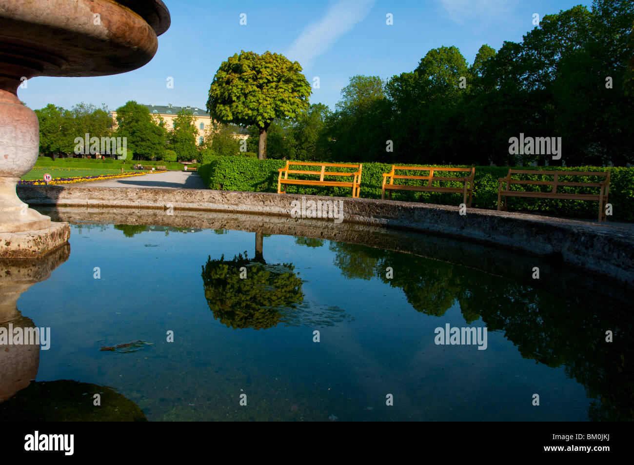 Hofgarten fountain water reflections. Munich, Germany. - Stock Image