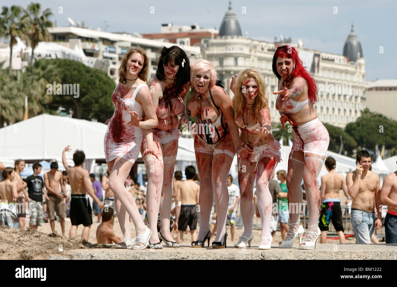 ZOMBIE WOMEN ZOMBIE WOMEN OF SATAN PR STUNT BEACH CANNES FRANCE 13 May 2010 - Stock Image