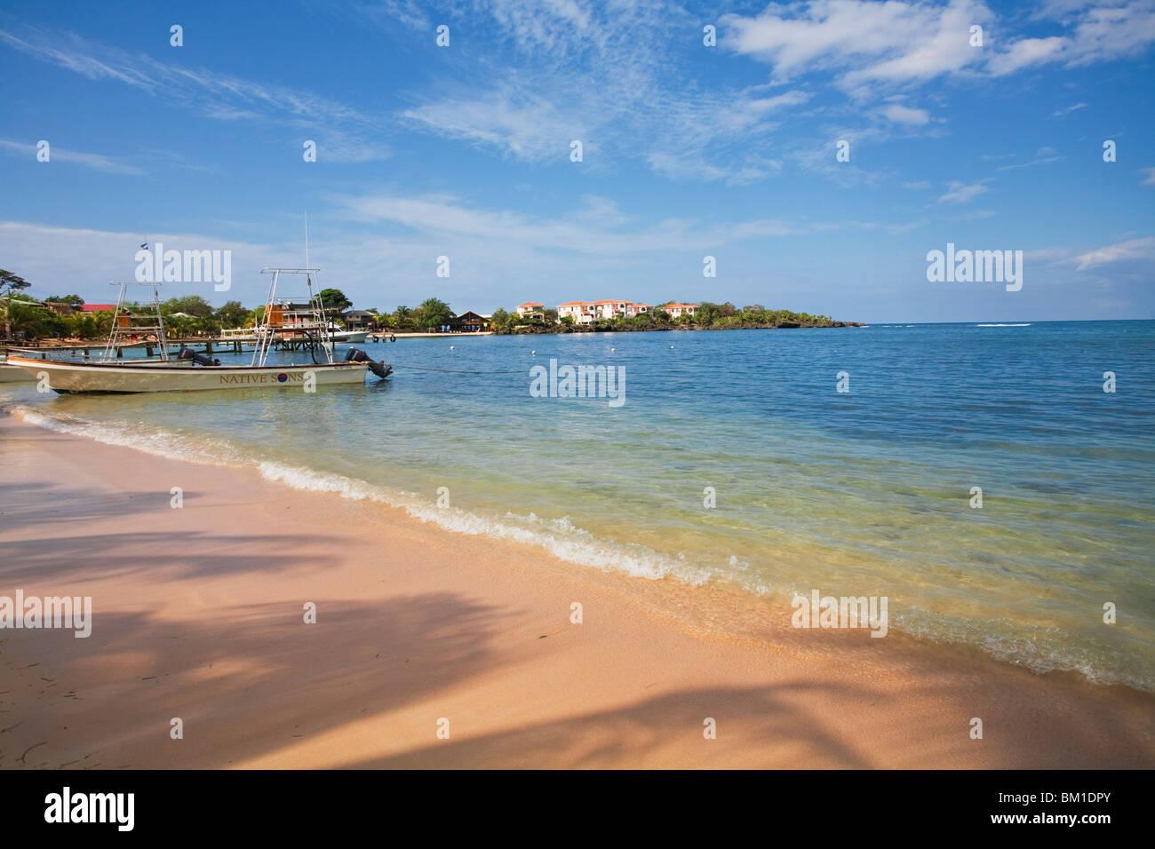 Half Moon Bay, Roatan, Bay Islands, Honduras, Central America - Stock Image