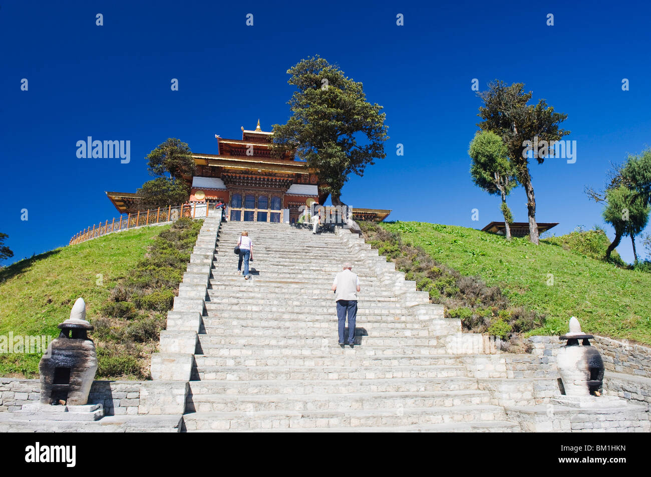 Temple on the site of 108 chortens built in 2005 to commemorate a battle with militants, Dochu La pass, 3140m, Bhutan, - Stock Image