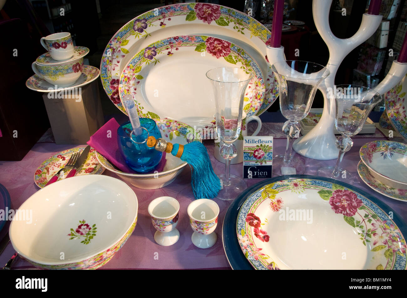 Brussels Belgium dinner tea set plates diner - Stock Image