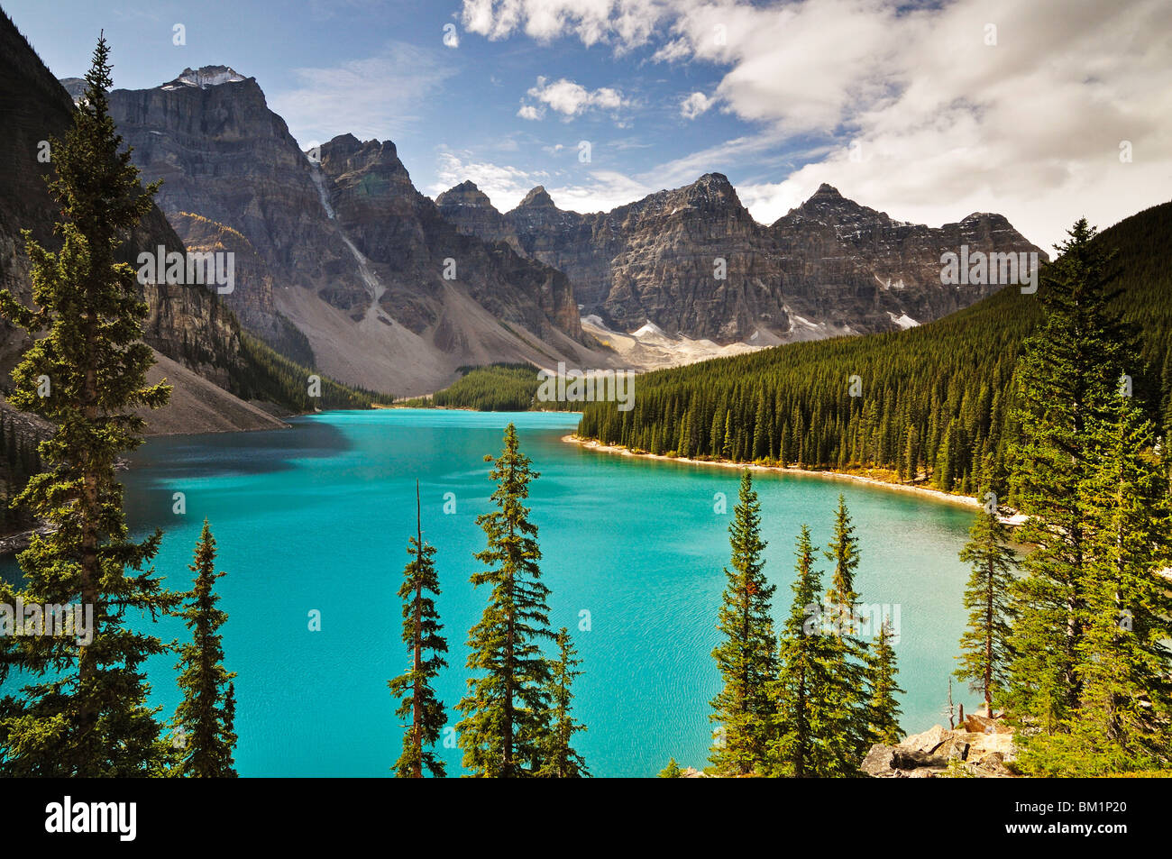 Moraine Lake, Banff National Park, UNESCO World Heritage Site, Rocky Mountains, Alberta, Canada, North America - Stock Image