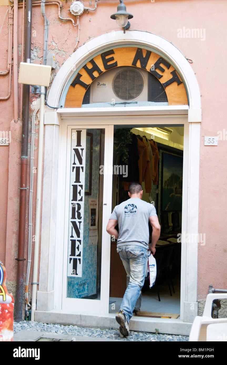 Internet cafe cafés net access shop premises high speed network user users travel traveling traveler backpacker Stock Photo