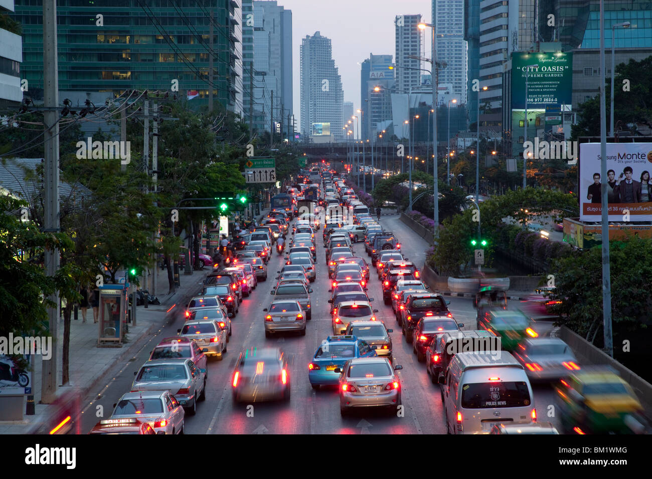 Evening rush-hour traffic on the Sathon Road in Bangkok. - Stock Image