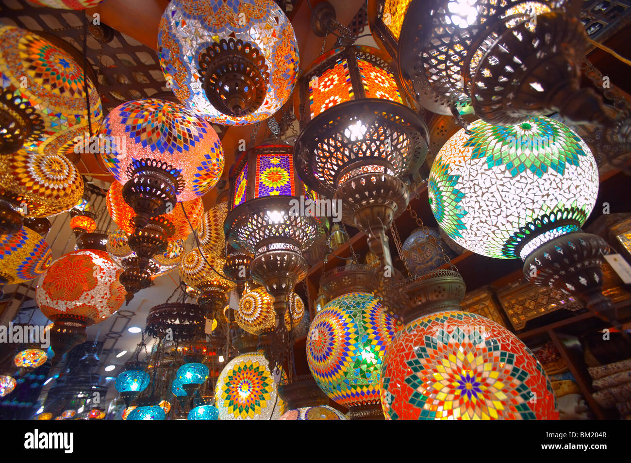 Hanging Lamps On Sale In Souk Dubai United Arab Emirates Middle - Hanging lights for sale