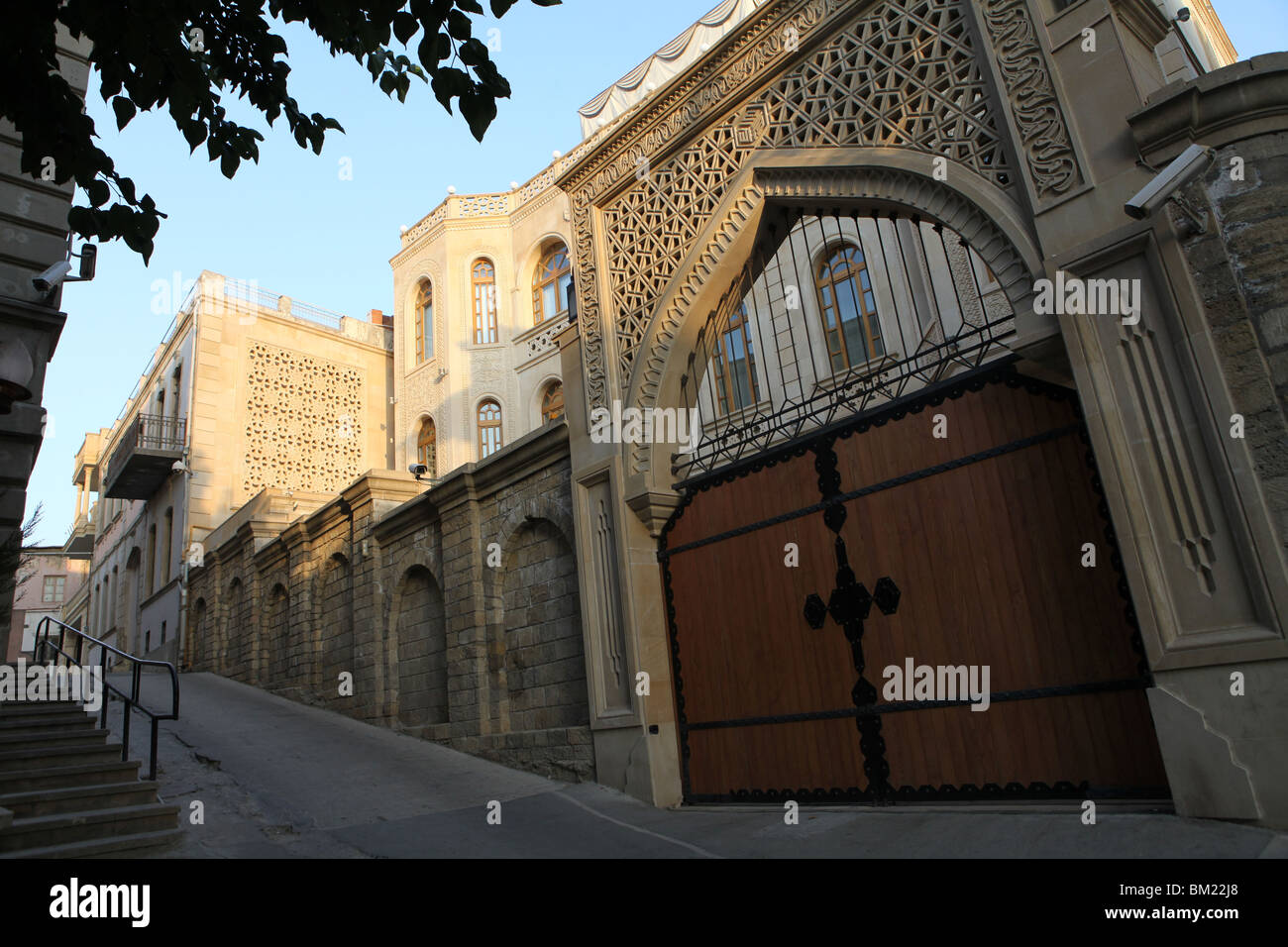 Sunrise in the streets of the historical old walled city of Baku in Azerbaijan, Central Asia. - Stock Image