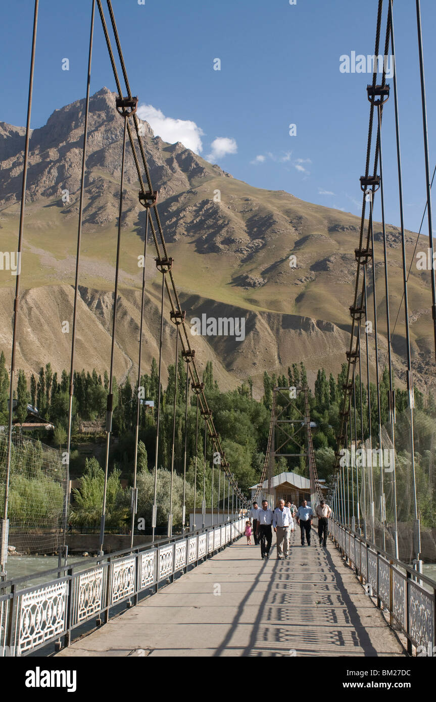 Pedestrian bridge over Gunt River, Khorog, Tajikistan, Central Asia - Stock Image