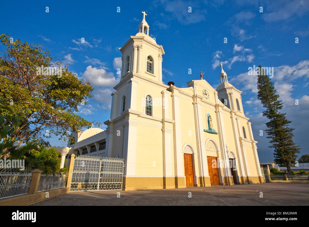 Cathedral, Park Central, Esteli, Nicaragua - Stock Image