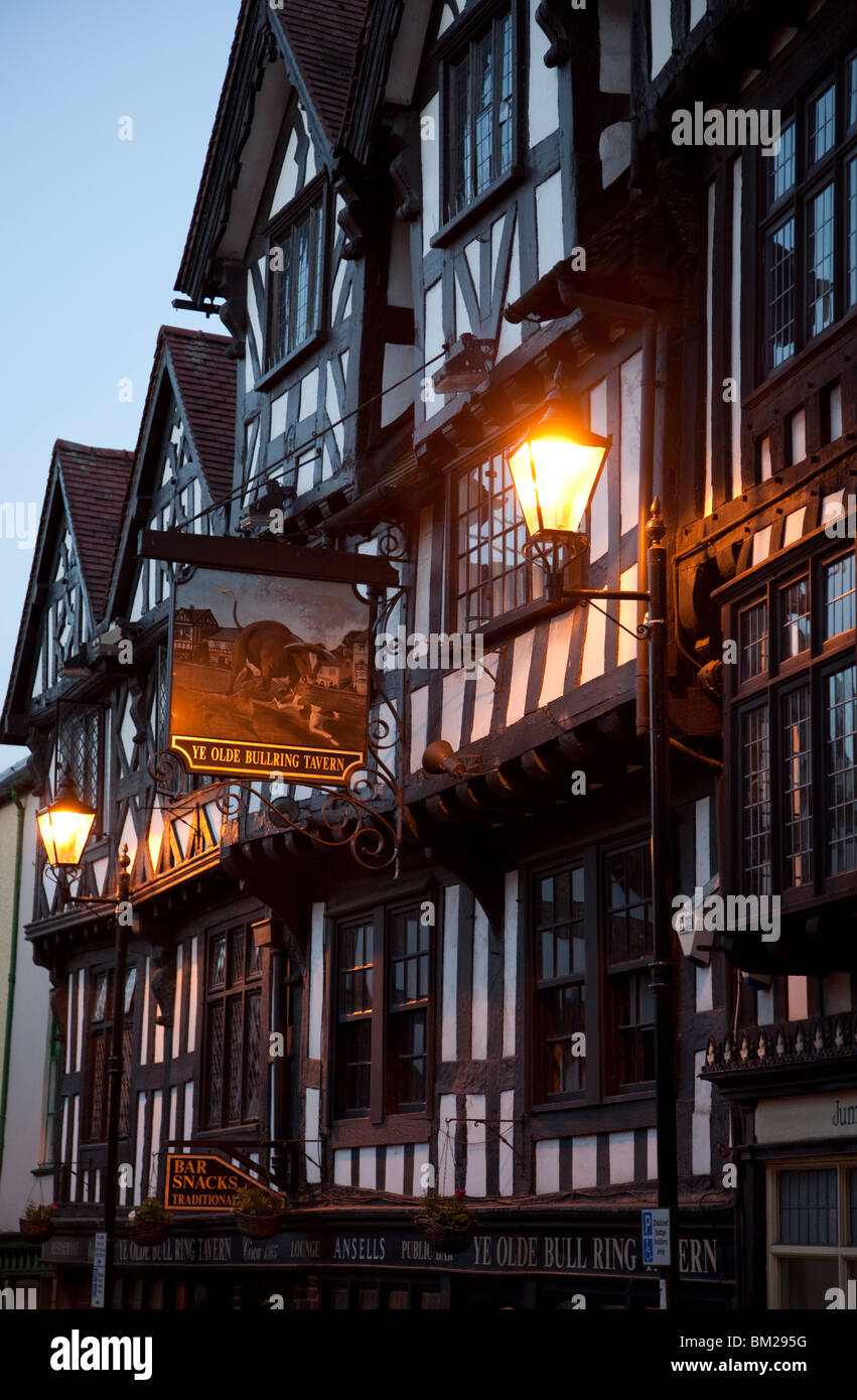 Ye Old Bullring Tavern public house dating from the 14th century, at night, Ludlow, Shropshire, UK - Stock Image