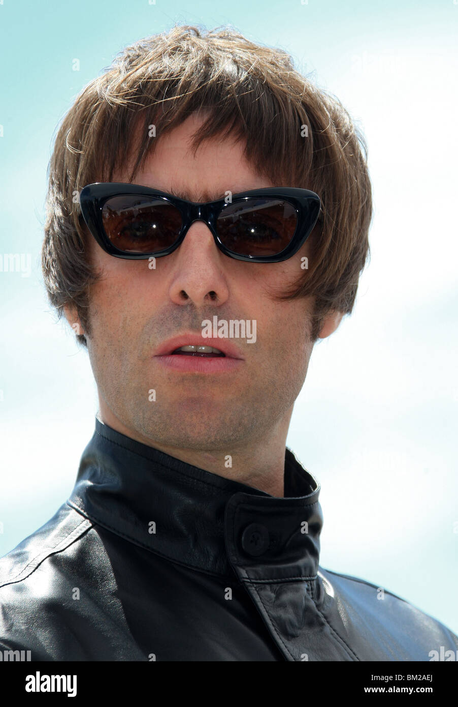 LIAM GALLAGHER THE LONGEST COCKTAIL PARTY CANNES FILM FESTIVAL 2010 GRAY D'ALBION BEACH CANNES FRANCE 14 May - Stock Image
