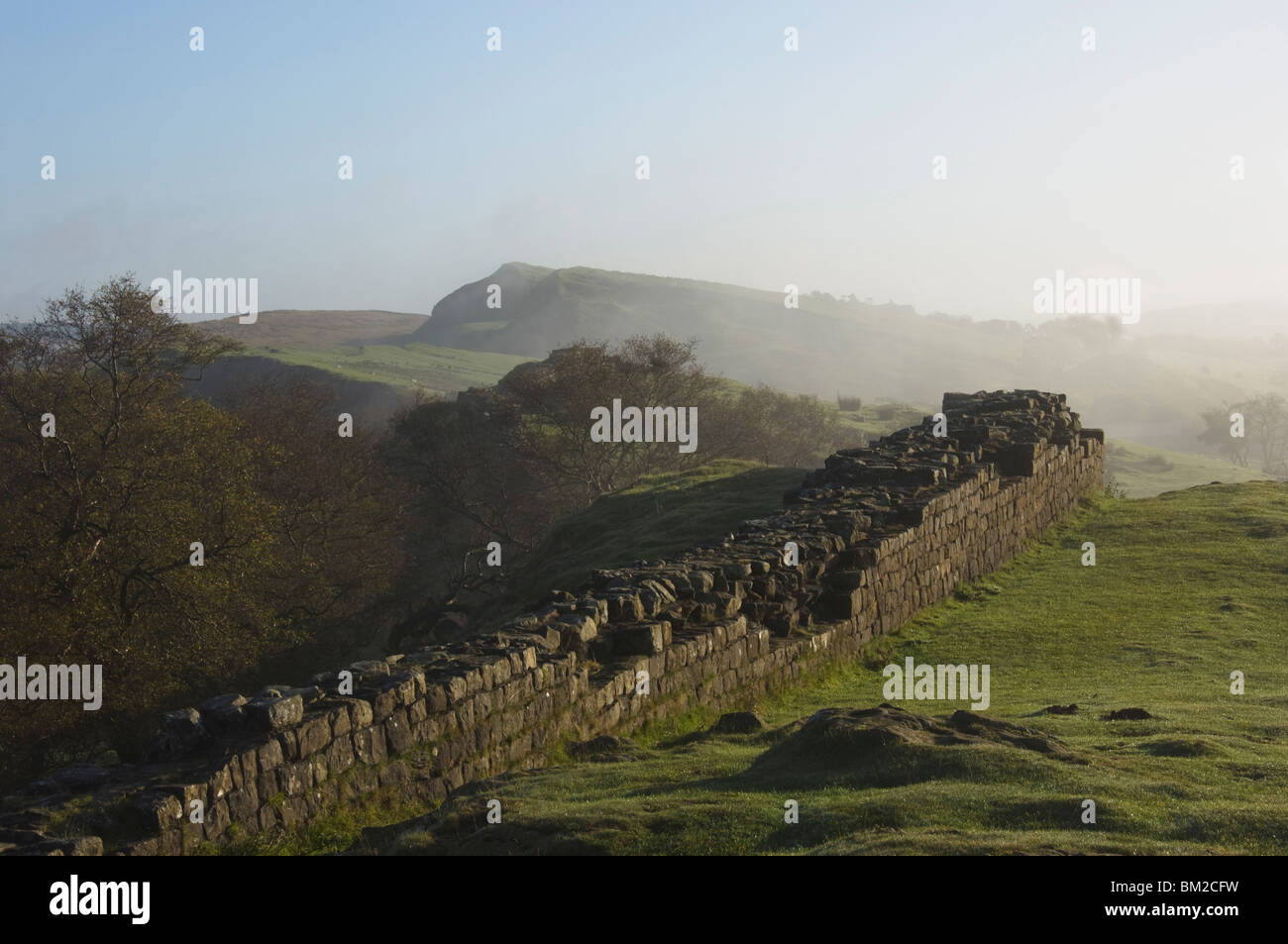 Walltown Crags looking east, Hadrians Wall, UNESCO World Heritage Site, Northumberland, UK - Stock Image