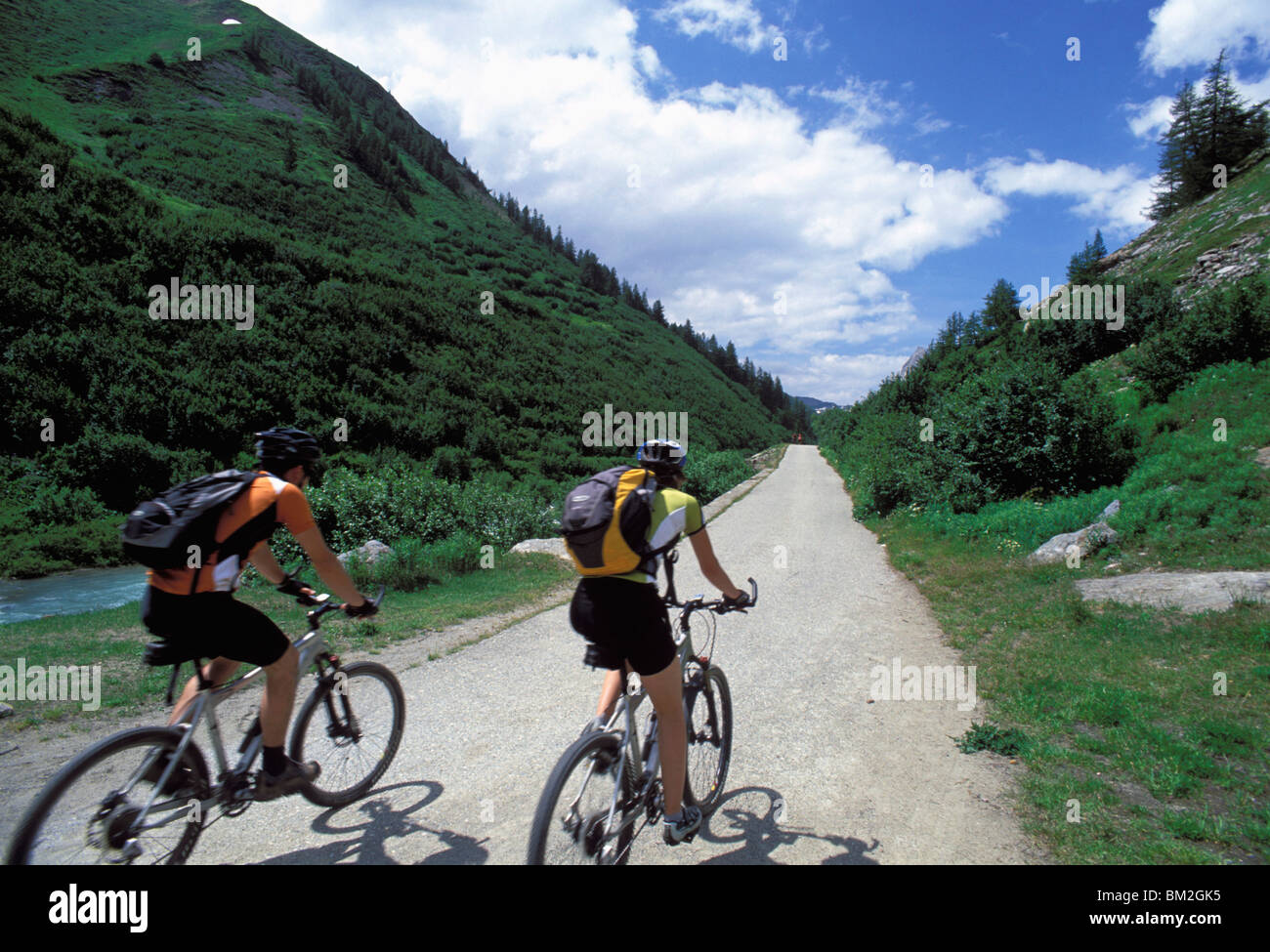 Cyclists, Val Veny near Courmayeur, Valle d'Aosta, Italy - Stock Image