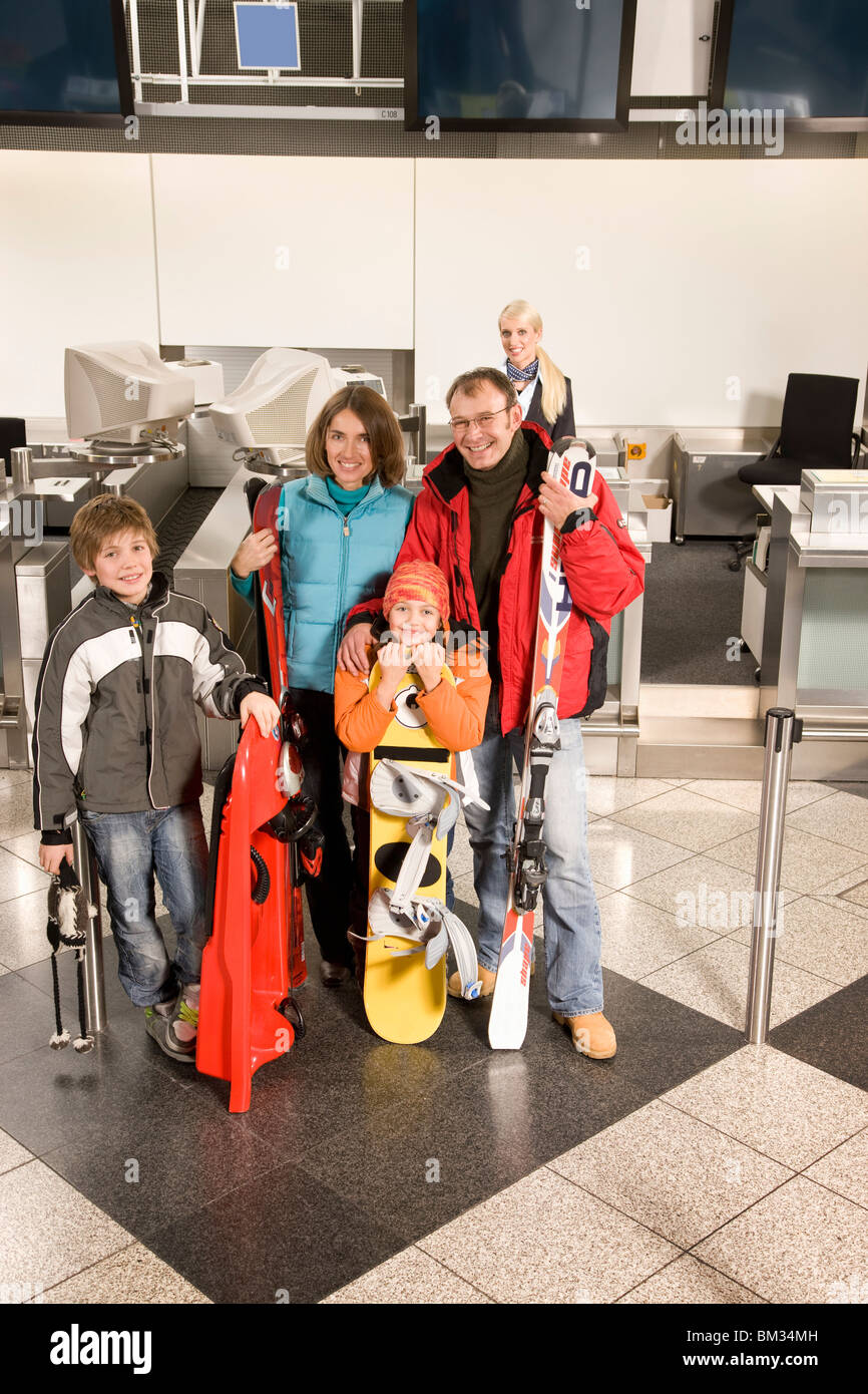Family departing for ski holidays - Stock Image