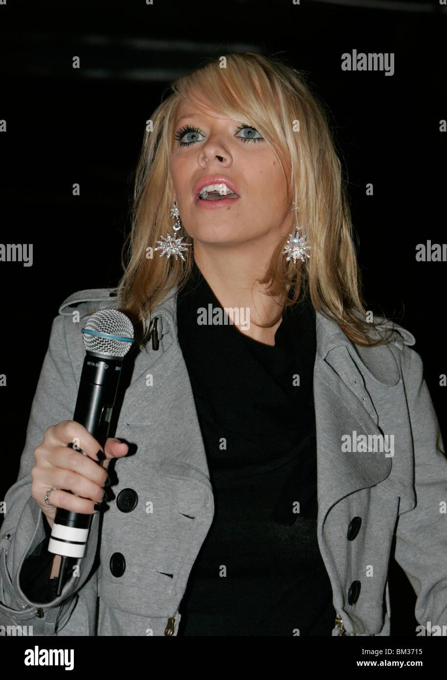 singer Liz McClarnon onstage in Belfast - Stock Image