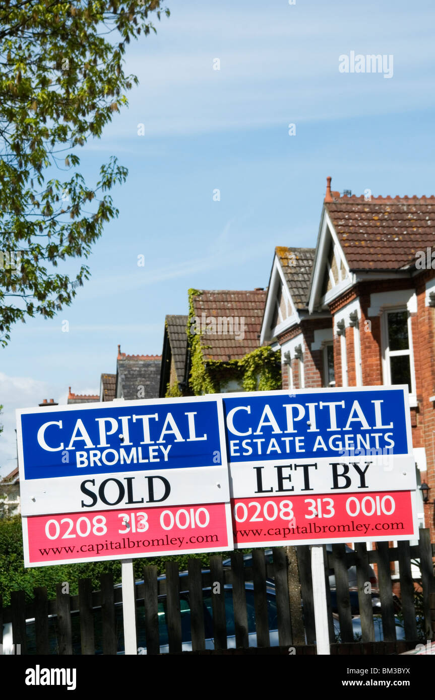 For Sale Signs London Houses Stock Photos & For Sale Signs ...