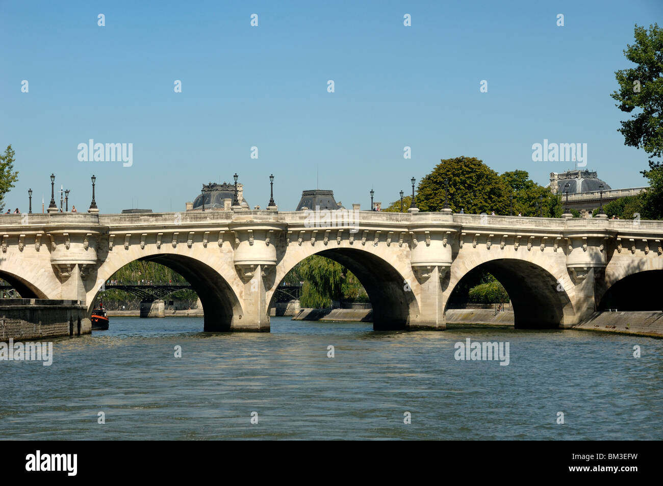 Le Pont Neuf (1579-1607) over the River Seine, literally the New Bridge - the oldest bridge over the Seine in Paris, - Stock Image
