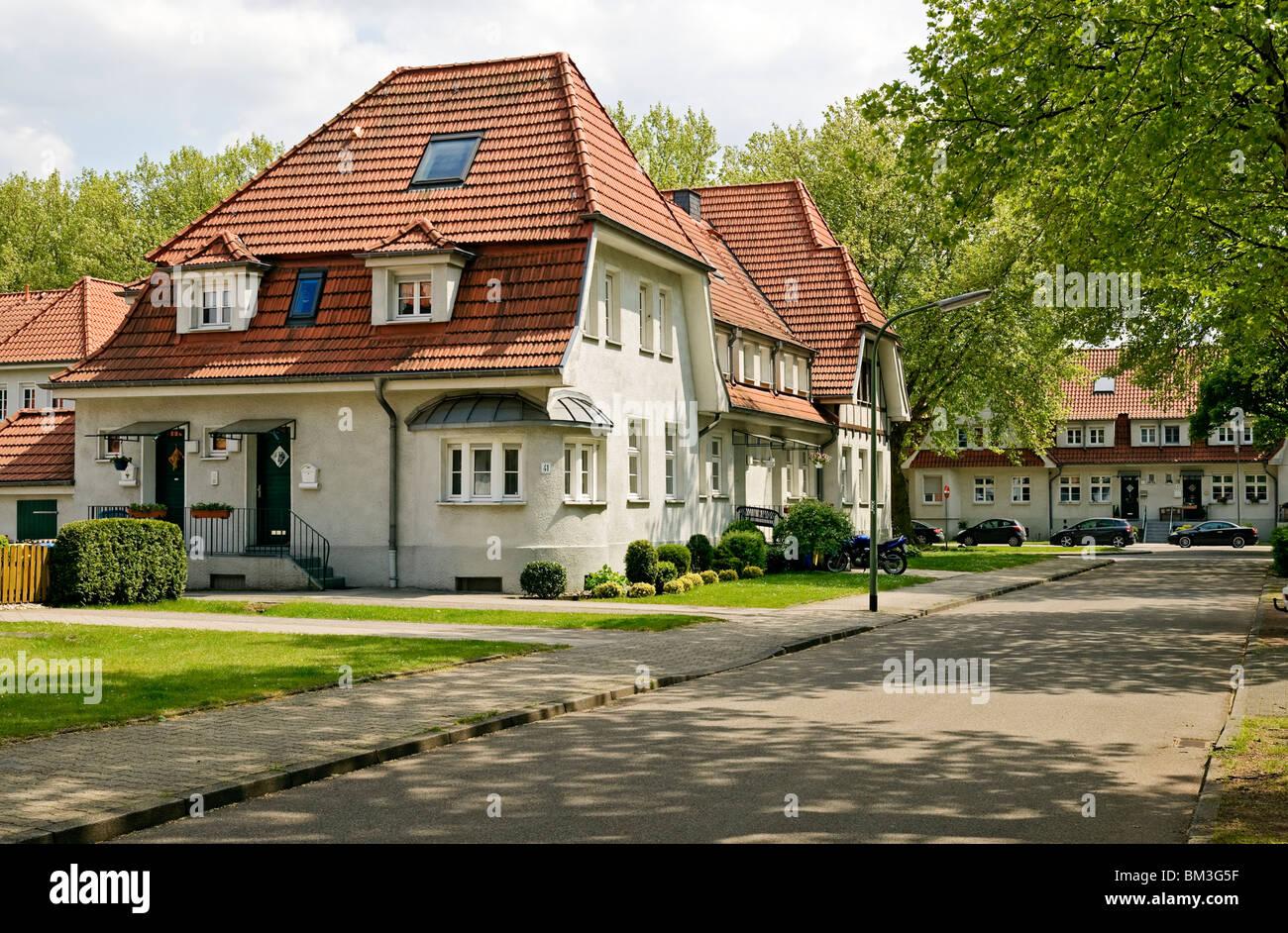Industrial housing estate Bottrop-Welheim from 1914-23, Ruhrgebiet, North Rhine Westphalia, Germany, Europe. - Stock Image