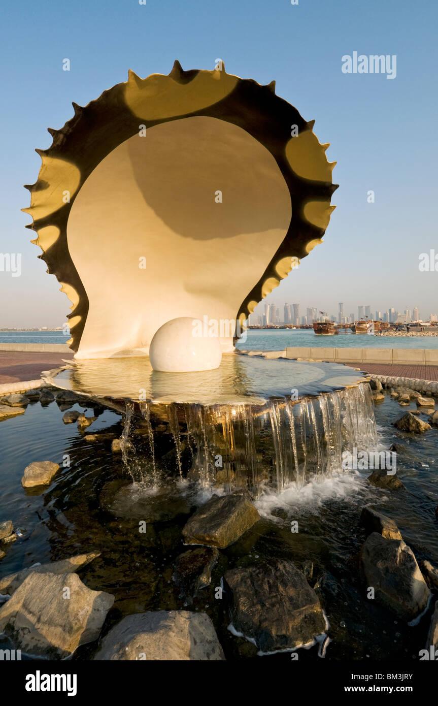 Qatar, Doha, Al Corniche, Pearl Monument - Stock Image