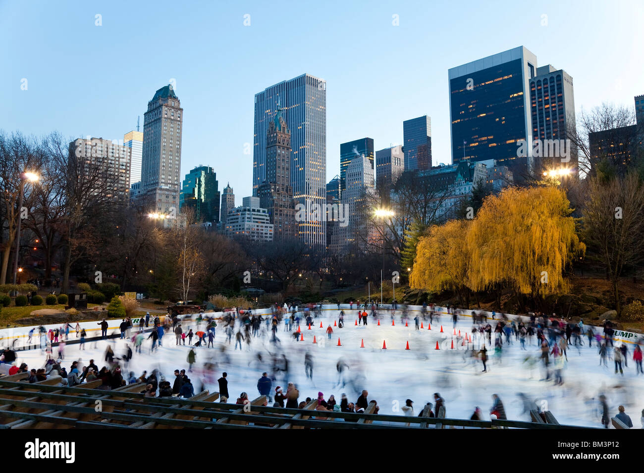 United States of America, New York, New York City, Manhattan, Wollman Ice rink in Central Park - Stock Image