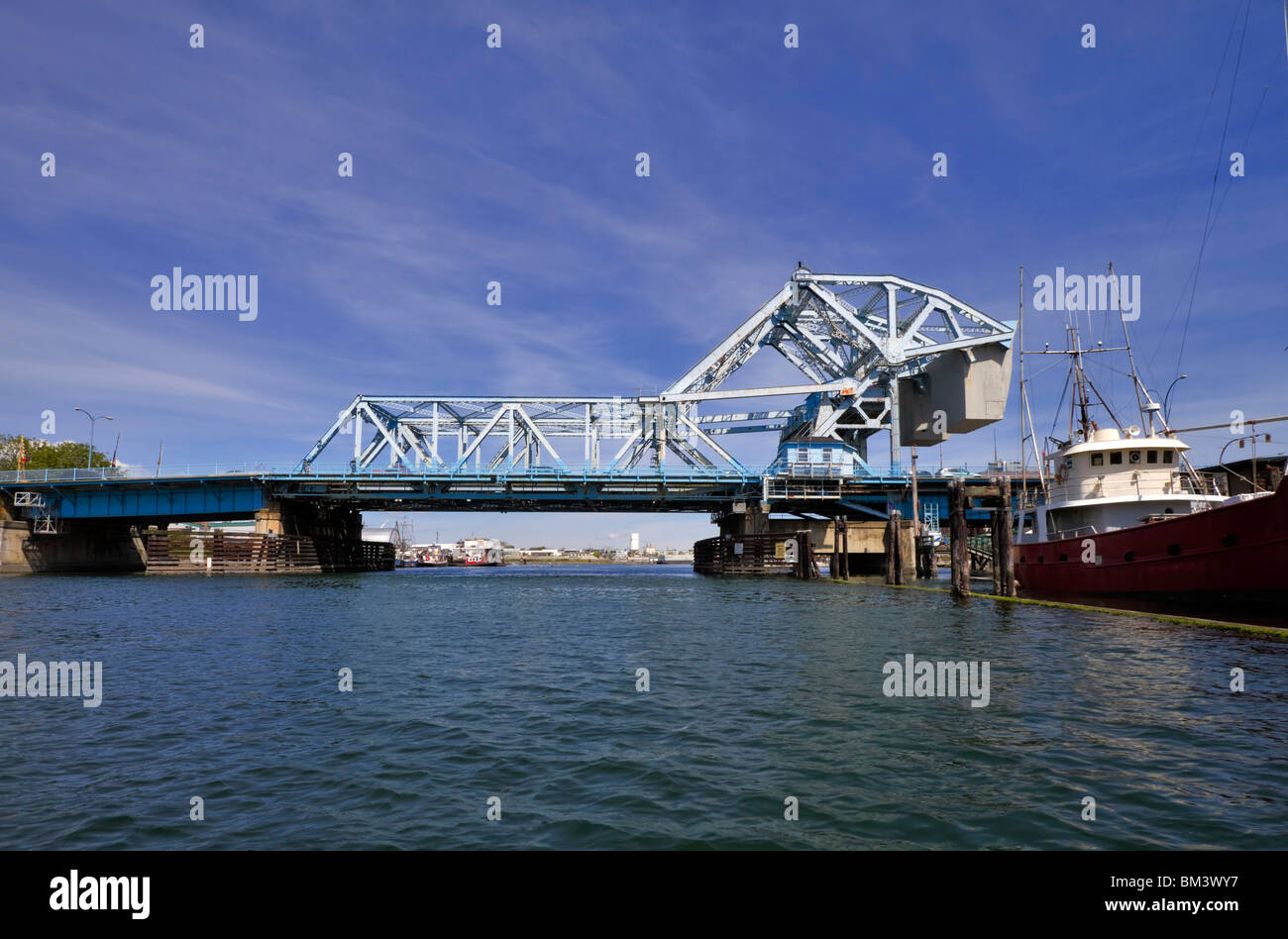 Johnson Street Bridge, Victoria, British Columbia.There is controversy whether the double span bascule bridge should - Stock Image