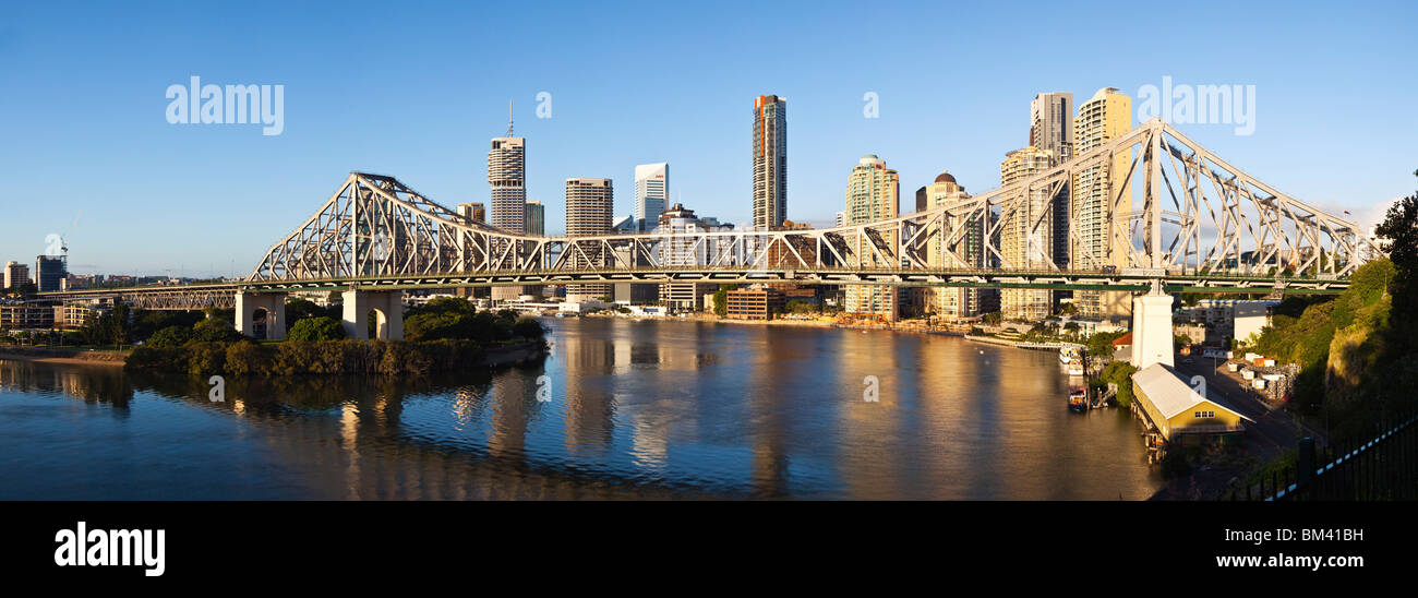 Story Bridge and city skyline on the Brisbane River. Brisbane, Queensland, Australia - Stock Image