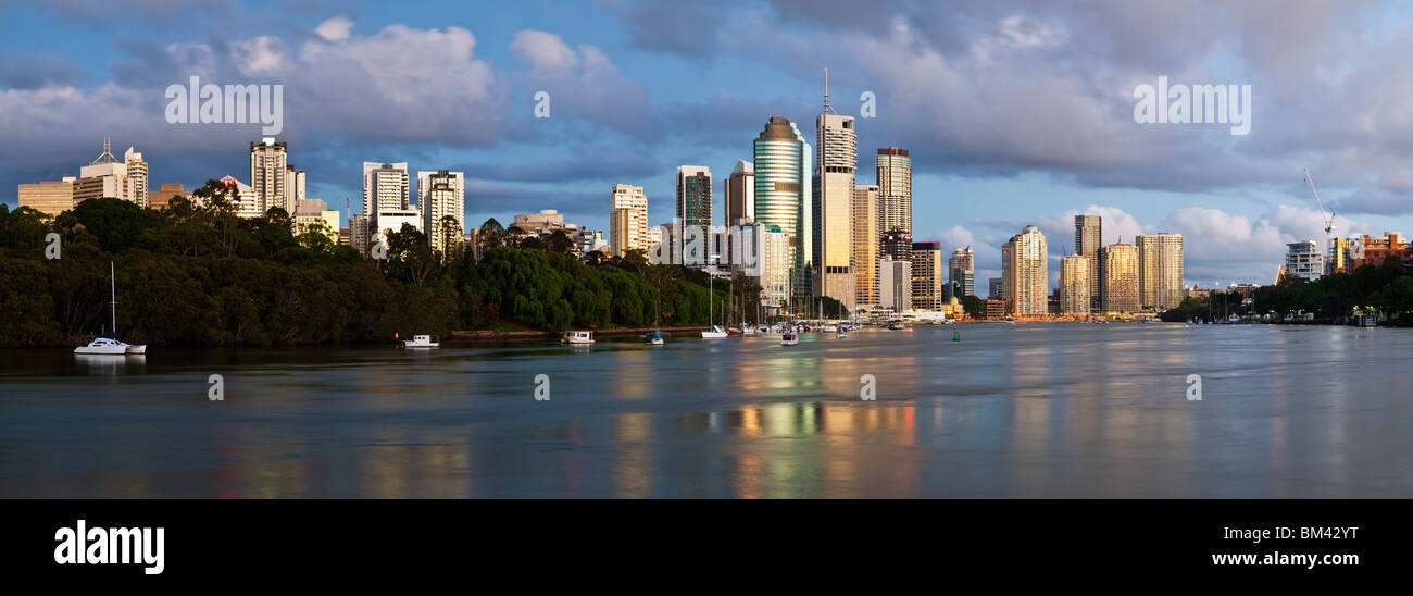 View of the city skyline from Kangaroo Point at dawn. Brisbane, Queensland, Australia - Stock Image
