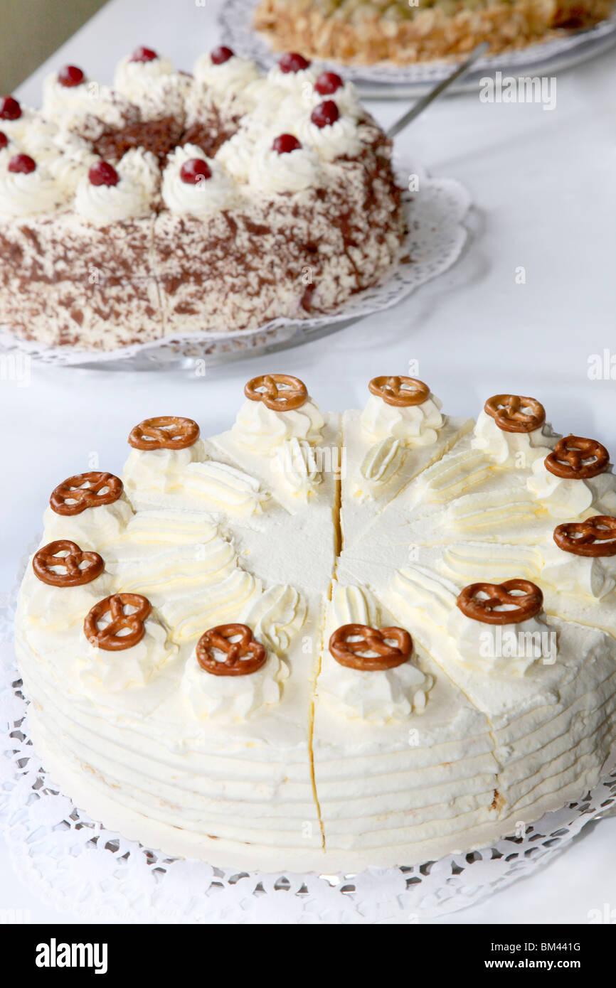 Different Wedding Cake Stock Photos & Different Wedding Cake Stock ...