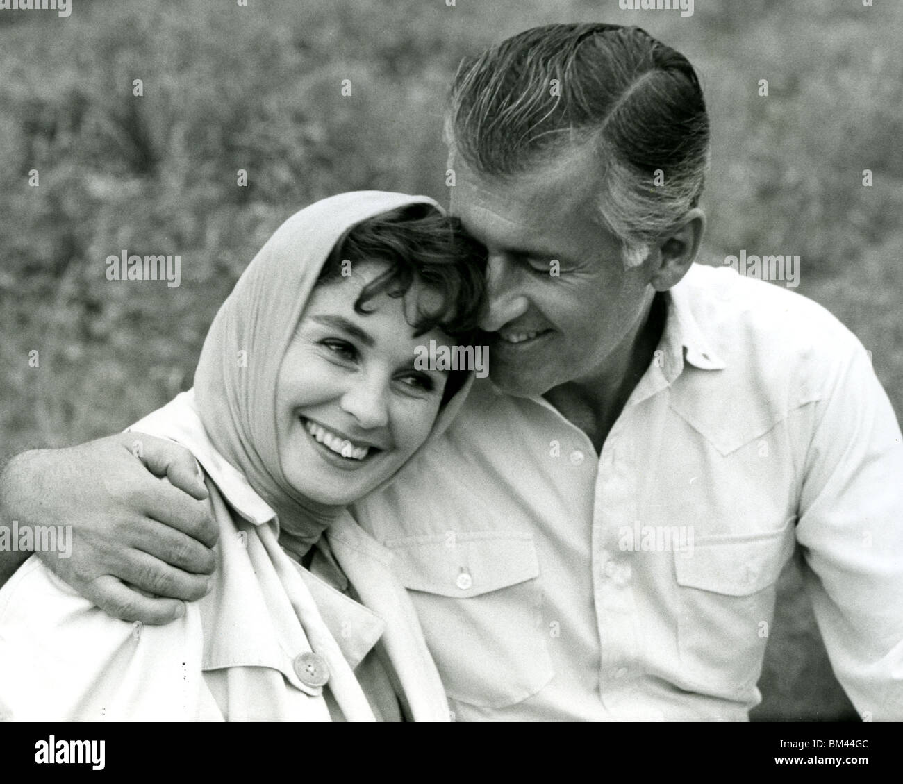 JEAN SIMMONS - UK film actress and husband Stewart Granger about 1956 at their ranch home in Tuscon, Arizona - Stock Image