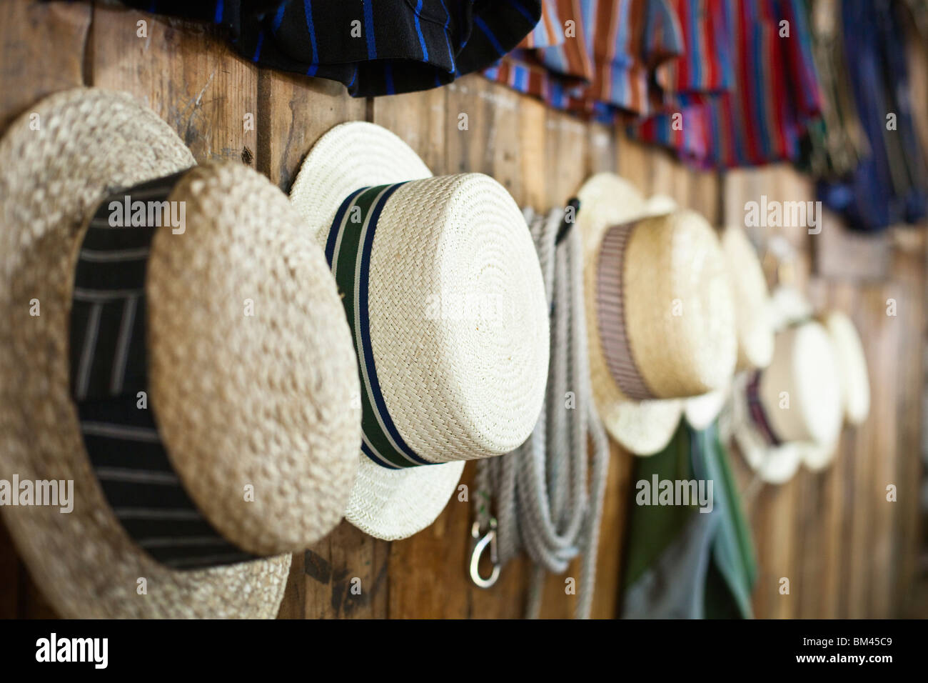 Straw boaters - part of the traditional punting attire at the Antigua Boatsheds. Christchurch, Canterbury, South - Stock Image