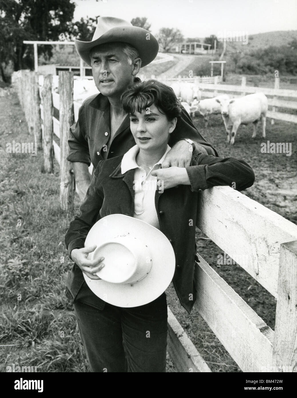 JEAN SIMMONS - UK film actress and husband Stewart Granger about 1956 at their ranch home near Tuscon, Arizona. - Stock Image