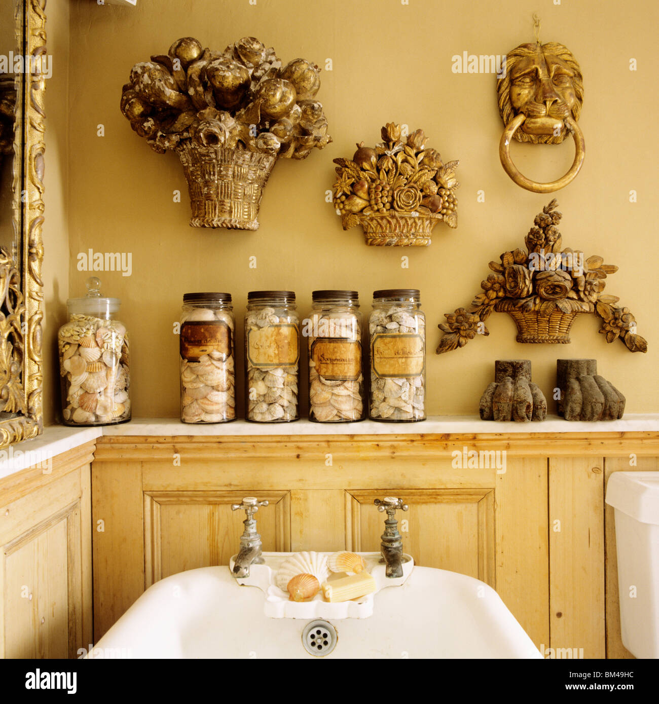 Wall Hangings Stock Photos & Wall Hangings Stock Images - Alamy