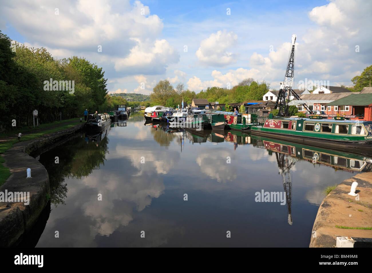 Calder & Hebble Navigation at Shepley Bridge Marina, Mirfield near Huddersfield, West Yorkshire, England, UK. - Stock Image