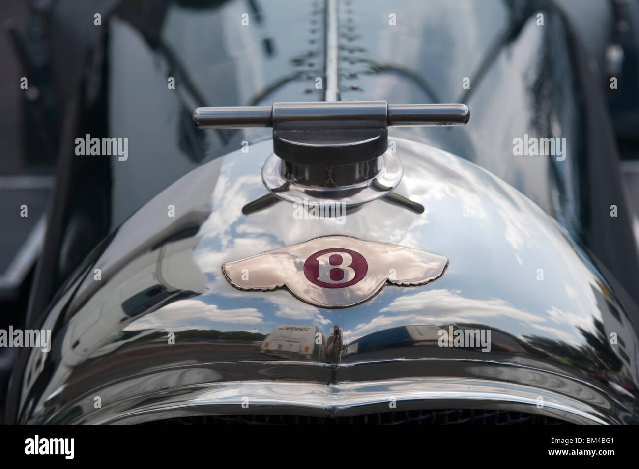 Old Bentley Motor Car Logo Stock Photo Alamy