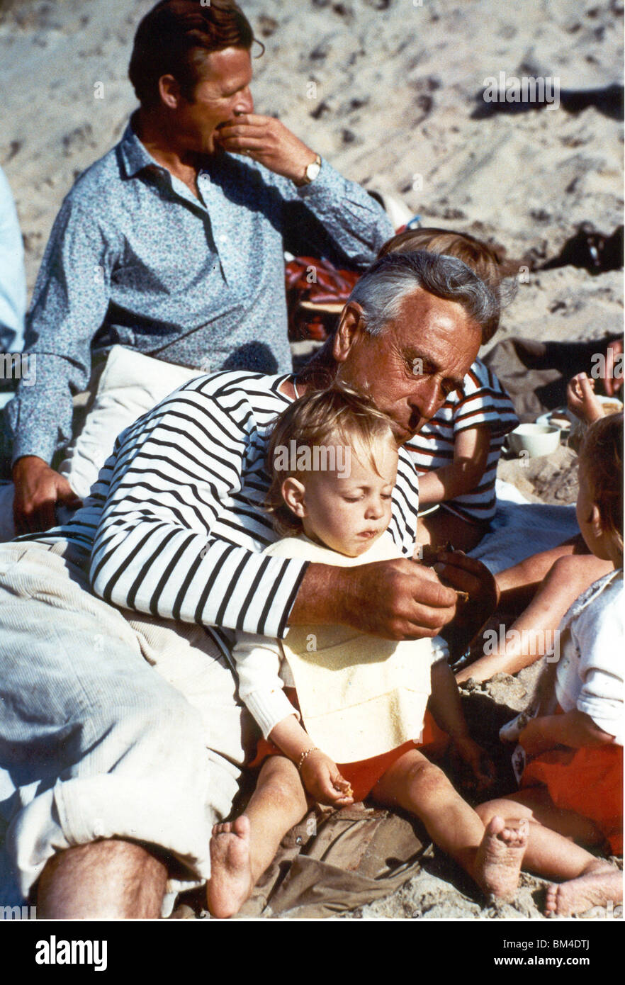 Lord Mountbatten on holiday with the Knatchbull twins on the beach below his castle in County Sligo - Stock Image