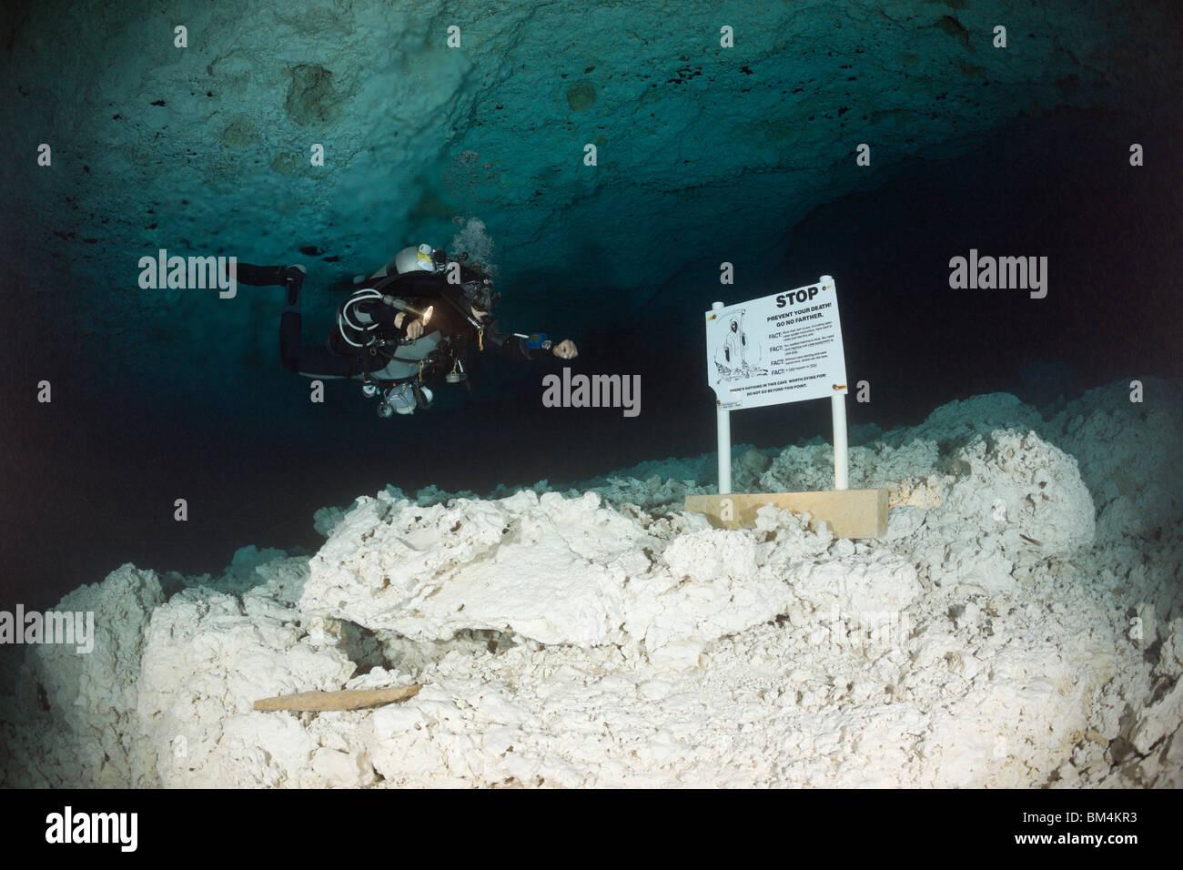 Cave Diver in Chac Mool Cenote, Playa del Carmen, Yucatan Peninsula, Mexico - Stock Image