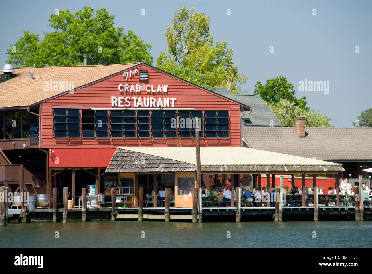 Diners Eating Chesapeake Bay Crabs At The Crab Claw Restaurant St