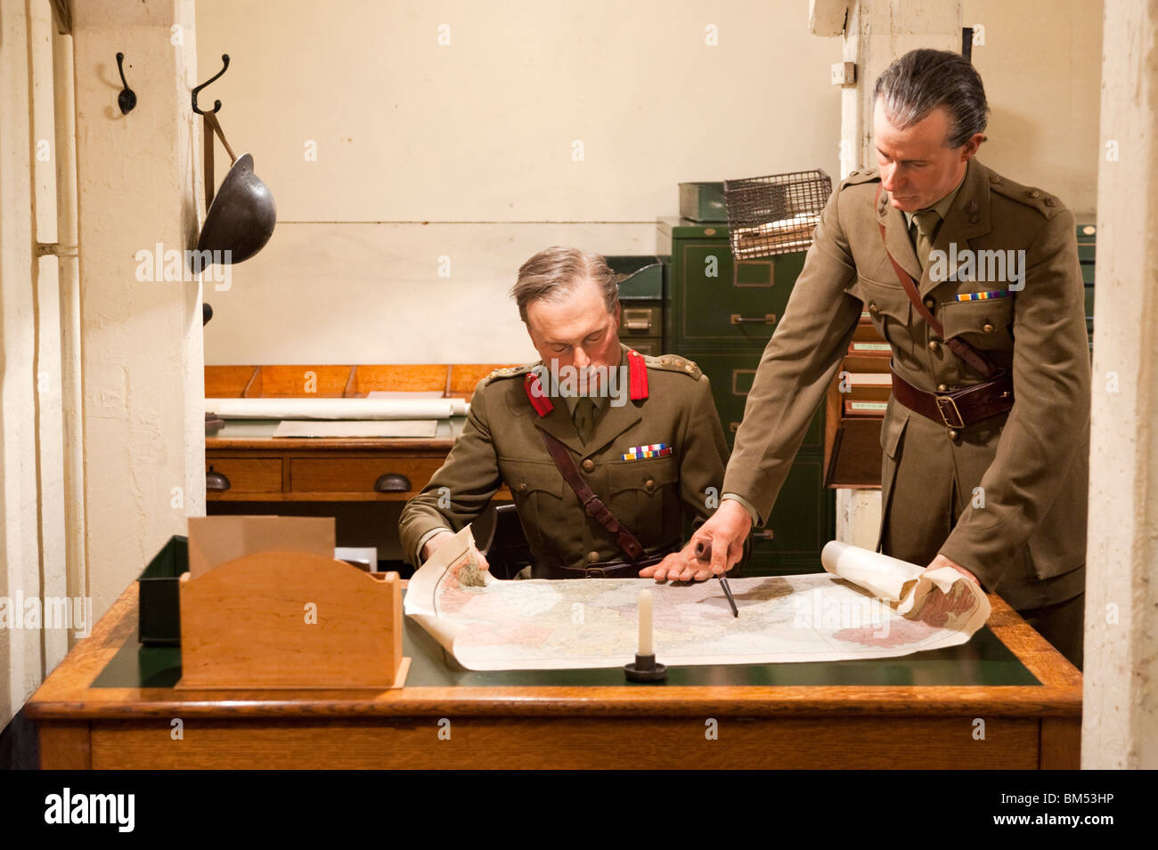 Model of army officers planning military strategy in the Churchill War Rooms museum, London, England, UK - Stock Image