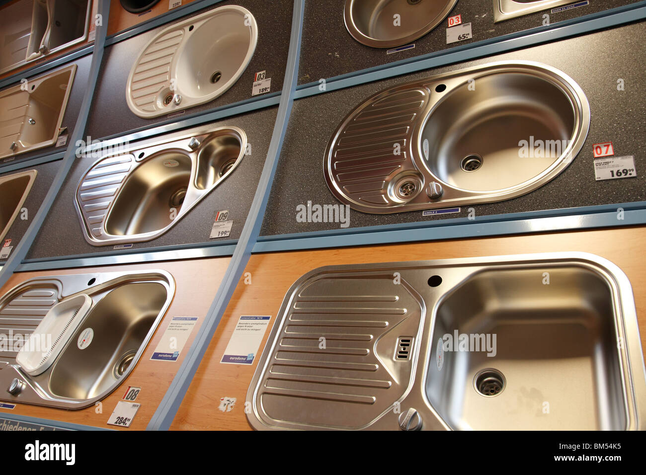 double bowl sinks in a DIY store - Stock Image