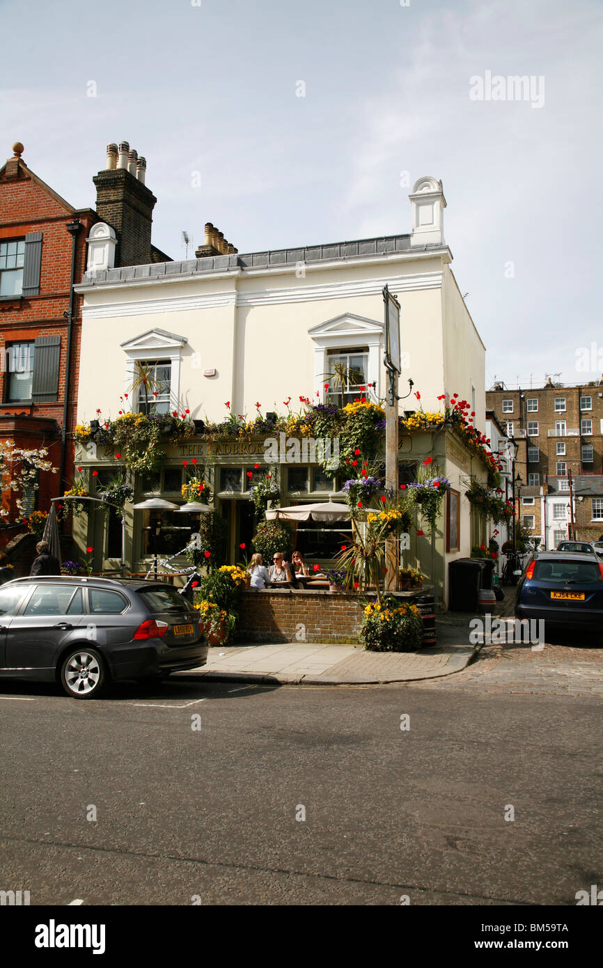 Ladbroke Arms pub on Ladbroke Road, Notting Hill, London, UK Stock Photo