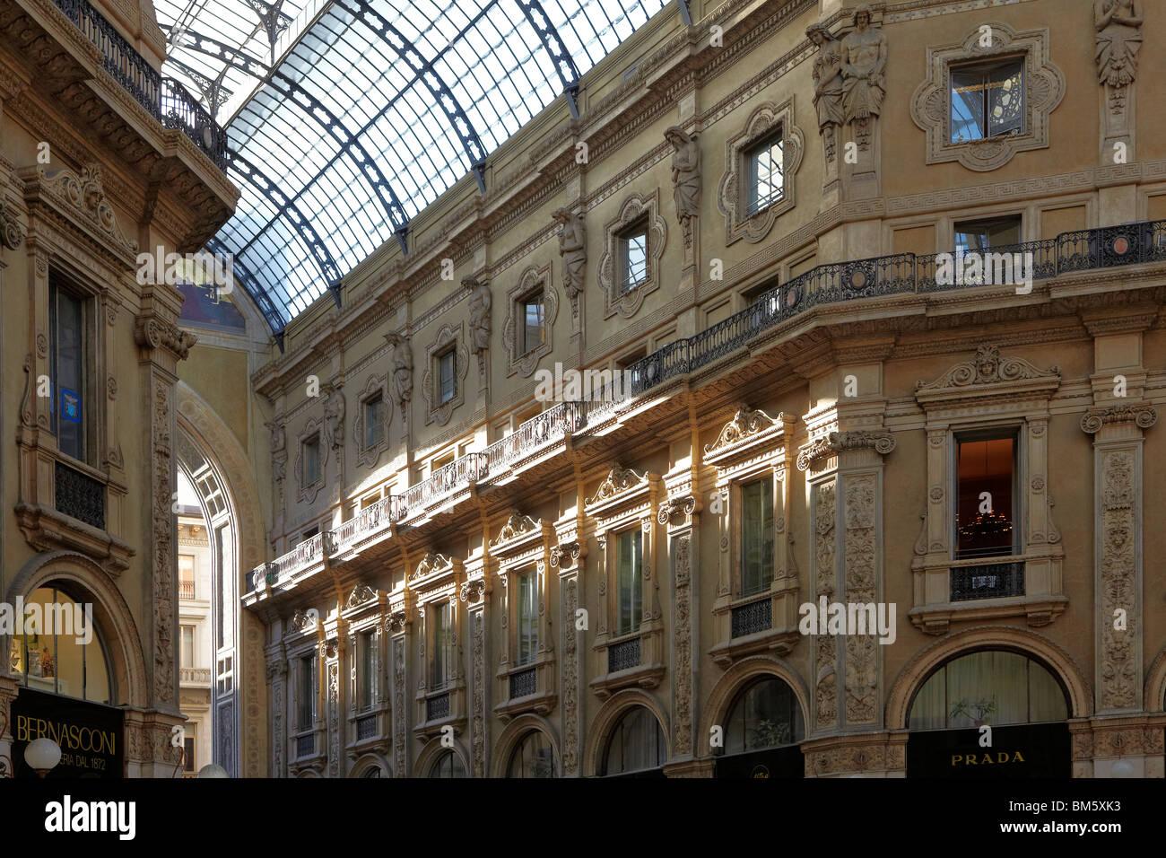 Shopping Mall Galleria Stock Photos & Shopping Mall ...