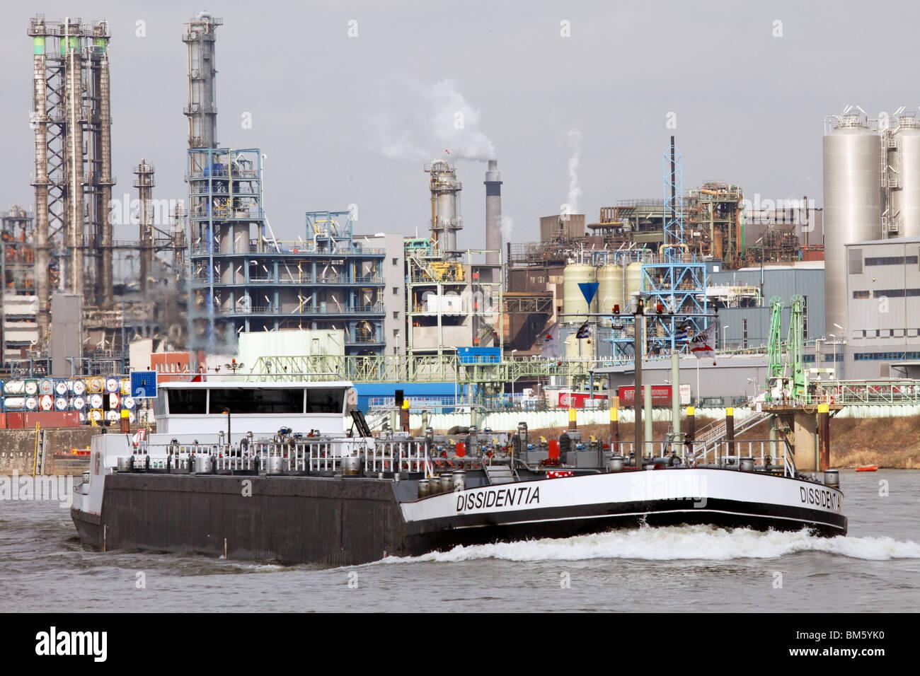 Bayer AG chemical factory in Leverkusen at the rhine. tanker. Leverkusen, NRW, Germany, Europe. - Stock Image