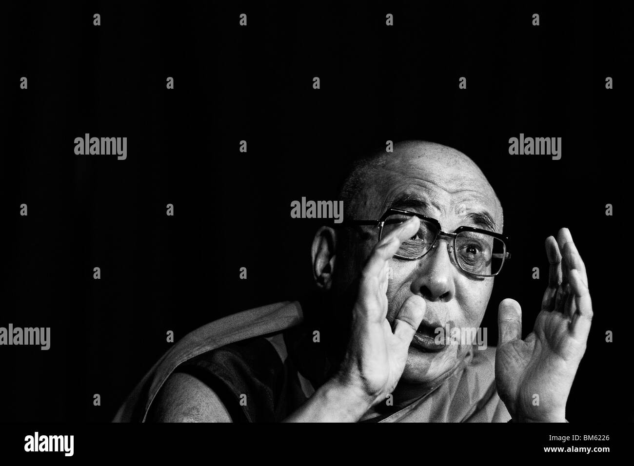 Dalai Lama Black and White Stock Photos & Images - Alamy