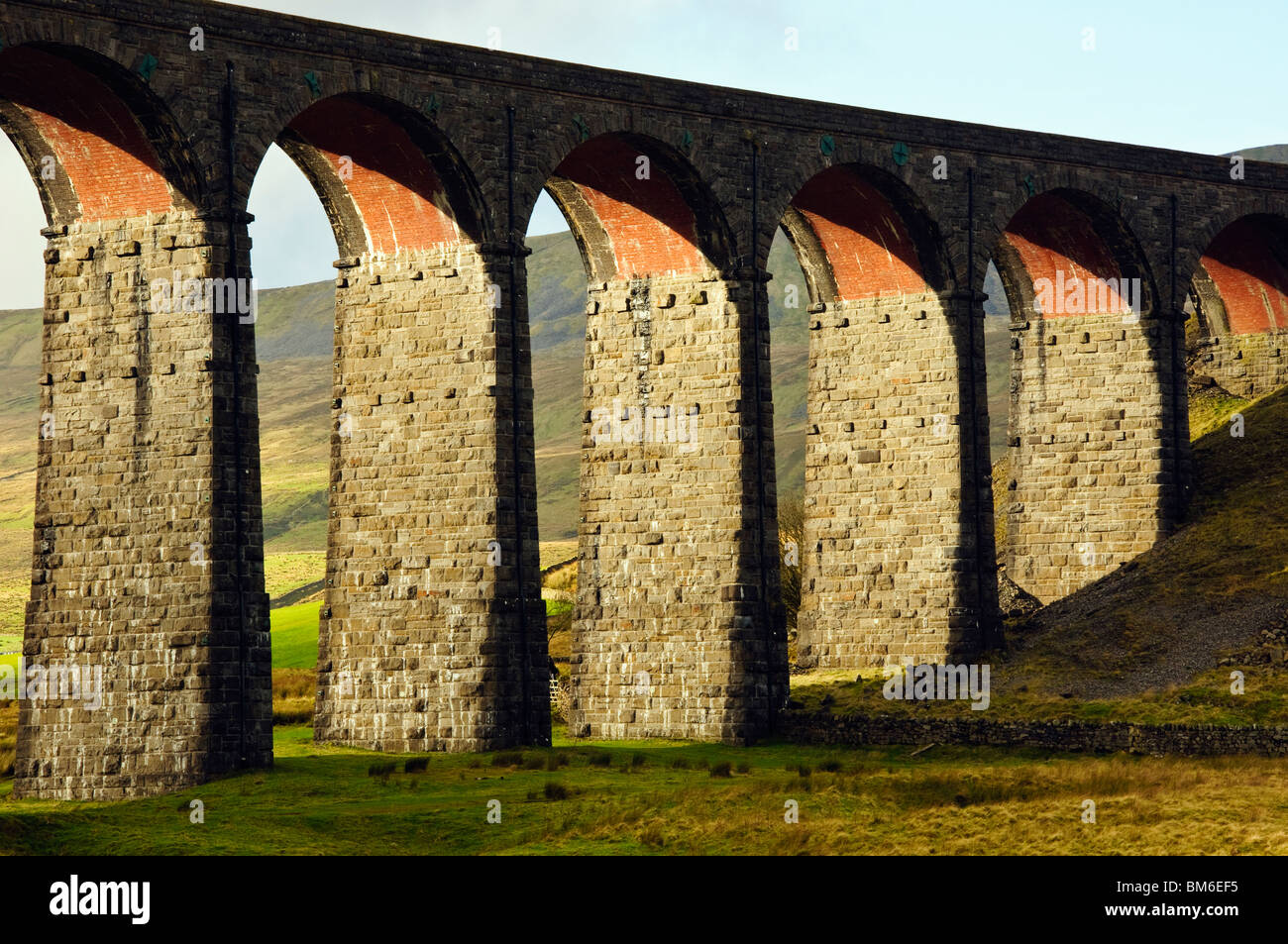 The Ribblehead Viaduct on the Settle-Carlisle railway line in the Yorkshire Dales National Park, England - Stock Image