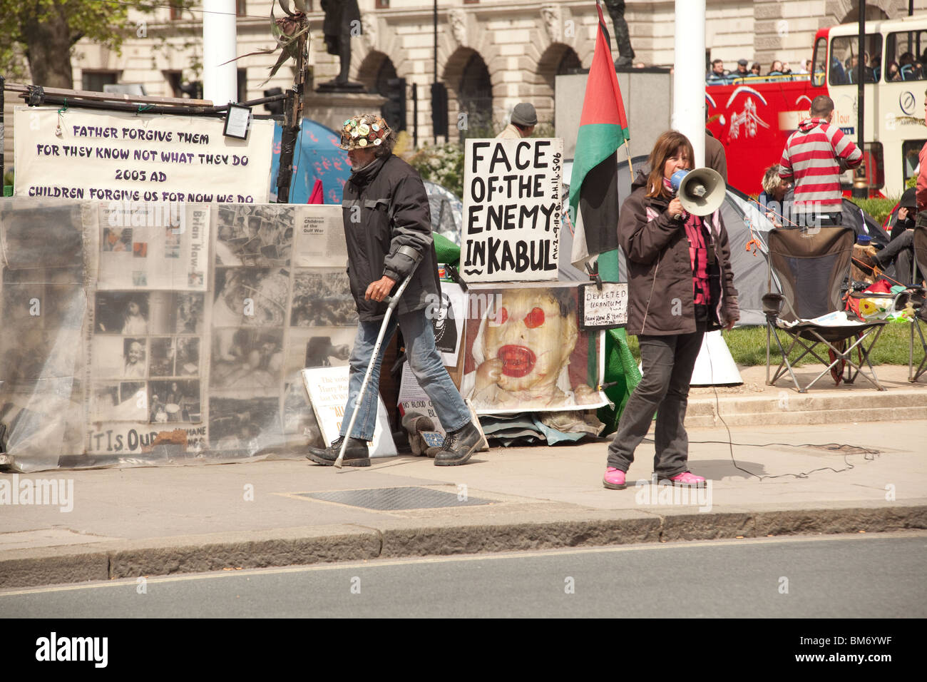 Anti-war protesters and the peace camp, Parliament Square, Westminster, London, England. Stock Photo