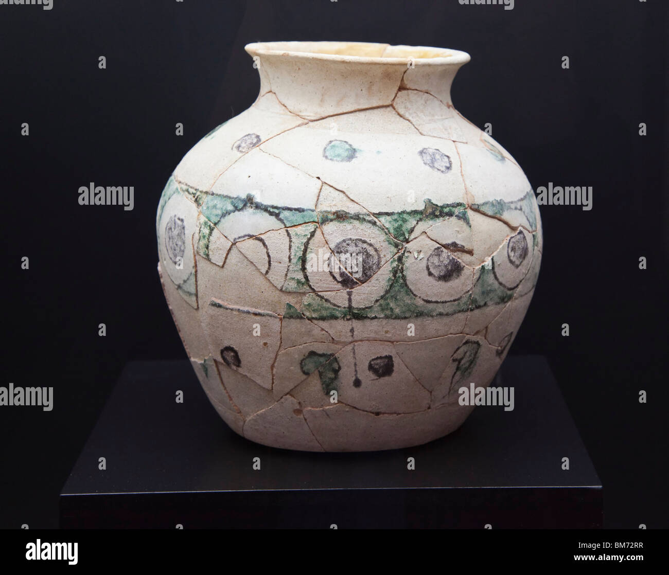 Glazed earthenware jar, circa 10th century, decorated with geometric motifs in Museo arqueologico y etnologico, - Stock Image