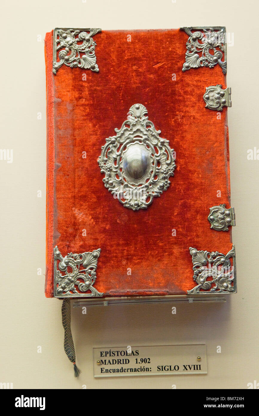 Example of the Epistles published Madrid 1902, in 18th century binding. Cordoba, Spain. - Stock Image