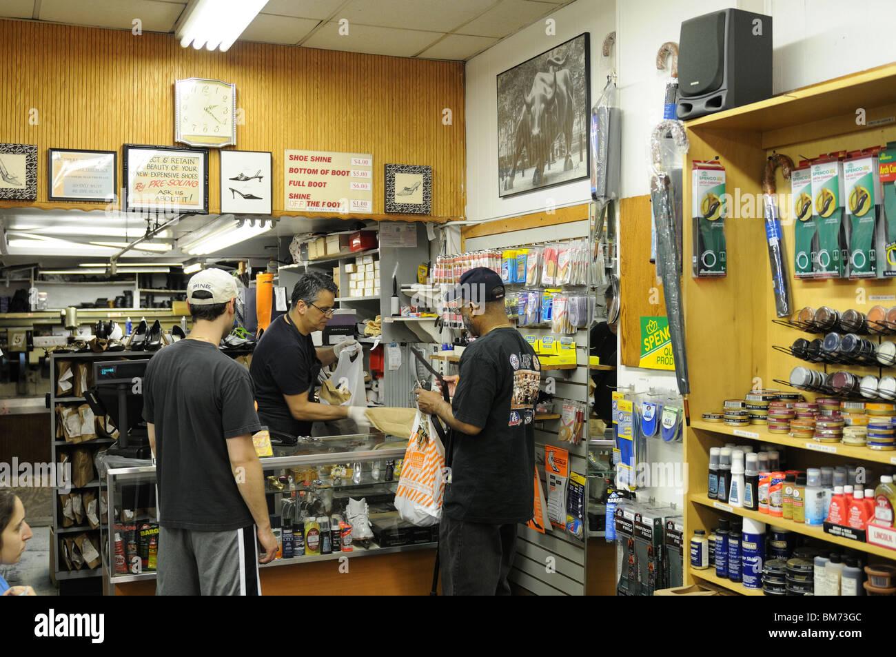 f22e2926c9405 A shoe repair shop in Lower Manhattan's financial district opened in ...